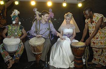 Заказать чернокожих артистов на Свадьбу, афро-бразильское шоу в Москве!